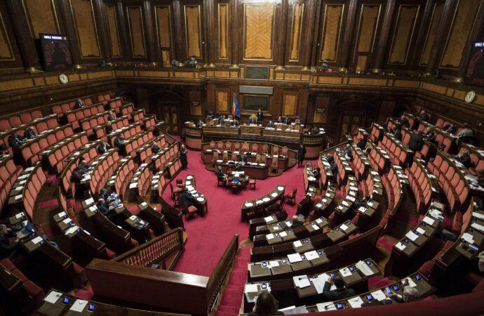 Fal, il Parlamento adotta il doppio binario: approvato emendamento nel Sostegni