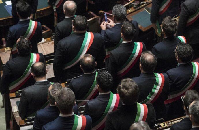 Responsabilità, eleggibilità, abuso d'ufficio: cosa i sindaci chiedono a Draghi