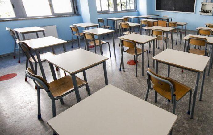 Banchi Monoposto a scuola: Anci Campania avvia un censimento. Compila il form online