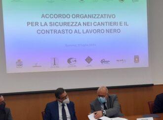 """Sicurezza nei cantieri </br>e lavoro nero, siglato """"accordo organizzativo"""" alla Prefettura di Salerno"""