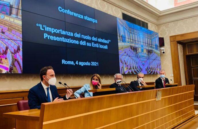 Difendere ruolo e dignità dei sindaci: il Pd presenta quattro disegni di legge
